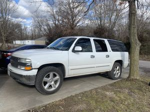 03 Chevy suburban lt for Sale in St. Louis, MO