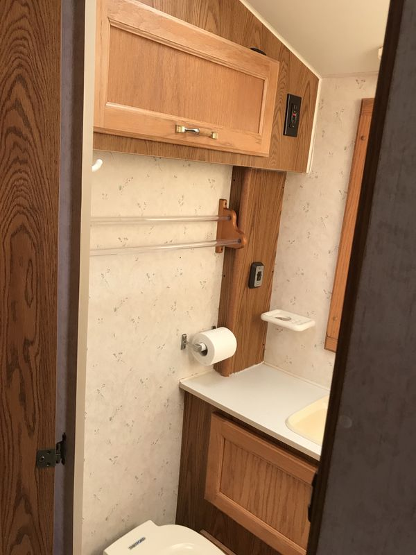 27 Foot Camper / RV with Title in Hand