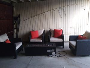 Outdoor patio 5 piece firepit chat set for Sale in Los Angeles, CA