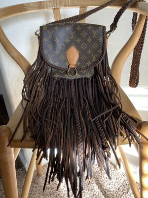 Vintage Boho Louis Vuitton World Traveler Crossbody for Sale in Caruthers, CA
