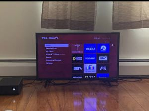 Roku tv 35 inch for Sale in East Hartford, CT