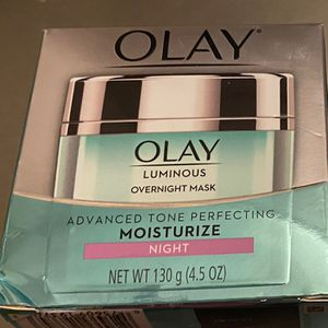 Olay Luminous Advance Tone Perfection Moisturizer for Sale in Stockton, CA
