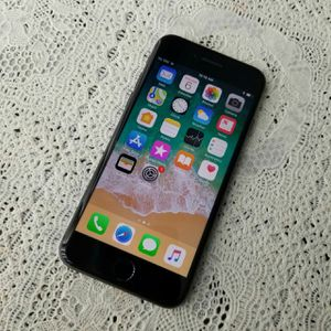 IPhone 8, Factory UNLOCKED//Excellent Condition// As like New.. for Sale in Springfield, VA