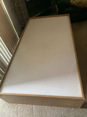 Light wood twin bed with 3 drawers for Sale in Hayward, CA