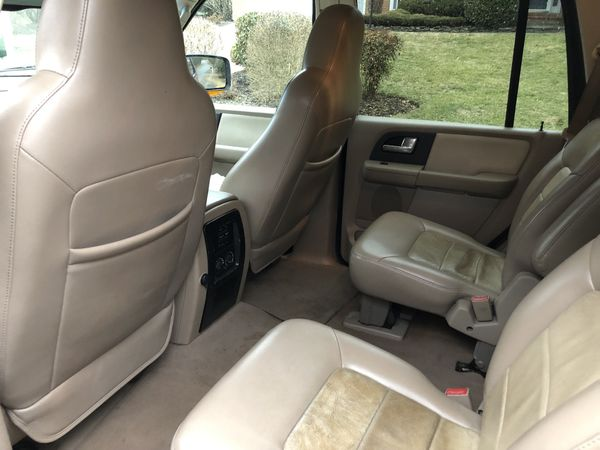 05 Ford Expedition Eddie Bauer, fully loaded
