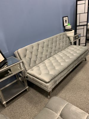 """Super cute & Chic """"Tufted"""" futon/ couch with crystals $400 takes it for Sale in Atlanta, GA"""