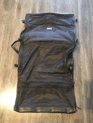 Tumi tri fold garment bag for Sale in Los Angeles, CA