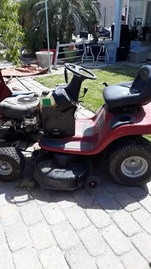 Lawn tractor for Sale in Moreno Valley, CA