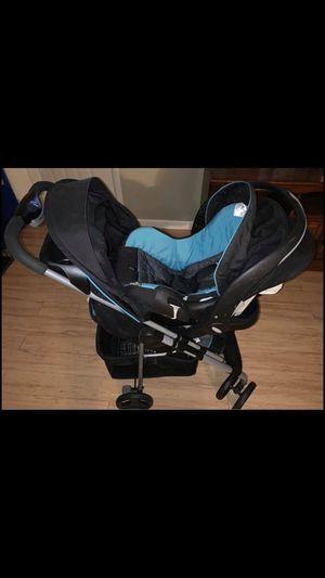 Stroller car seat combo for Sale in Silver Springs, FL