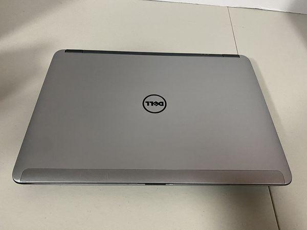 Dell Latitude E6440, 4th Generation Intel Core i5, 8 GB RAM, 180 GB HD, 1 GB Intel HD Graphic Card & 2 GB AMD Radeon Graphics Card, Wireless Wifi, We