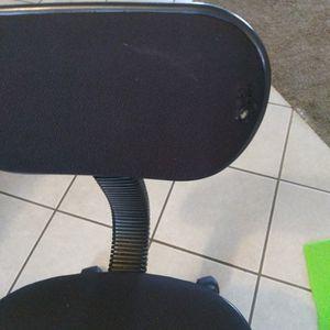 Free Desk Chair for Sale in Auburn, WA