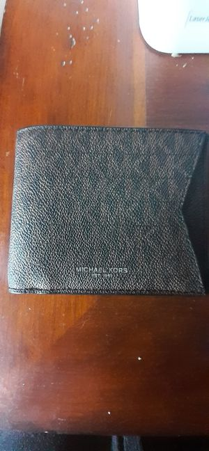 Micheal kors billfold wallet for Sale in Fresno, CA