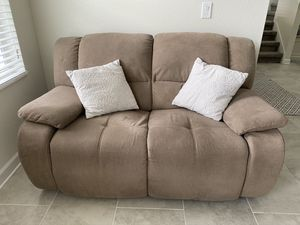 Dual reclining loveseat couch for Sale in Celebration, FL