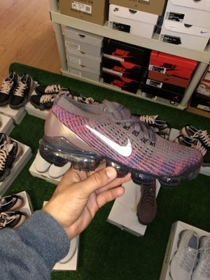 Nike VaporMax size 8 for Sale in Fontana, CA