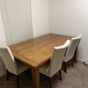 TABLE W/ CHAIRS for Sale in Fresno, CA
