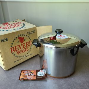 Stainless Steel Copper Clad Collection 8-qt Stock Pot for Sale in Lynnwood, WA