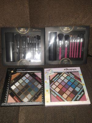 Makeup Bundle Brush set and Palette for Sale in Phoenix, AZ