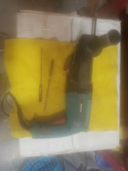 Makita Hammer Drill $100 for Sale in St. Louis,  MO