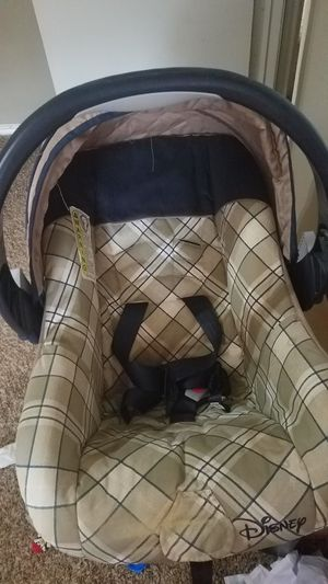 Graco car seat with base for Sale in Plano, TX