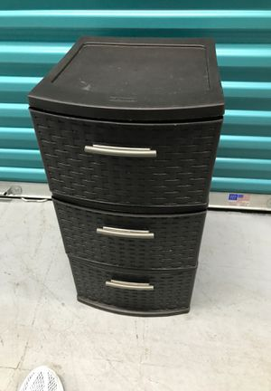 3 drawer plastic storage bin for Sale in Houston, TX