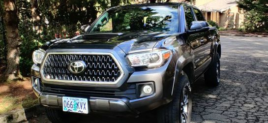 2018 Toyota Tacoma for Sale in Happy Valley,  OR