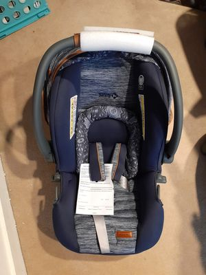 Monbebe car seat for Sale in East Greenwich, RI