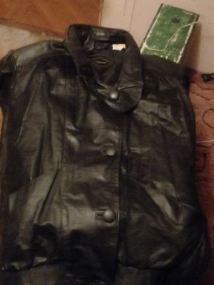 Leather jacket for Sale in Okeechobee, FL