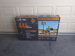 Lifetime portable basketball hoop for Sale in Beverly Hills, CA