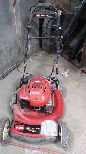 Toro lawn mower 22 inch en buenas condiciones for Sale in District Heights, MD
