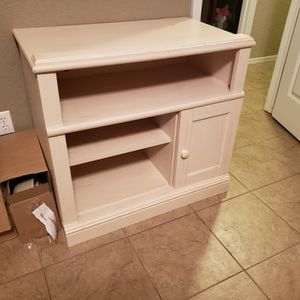 "32""×19.5""×30"" dresser/tv stand for Sale in Fort Smith, AR"