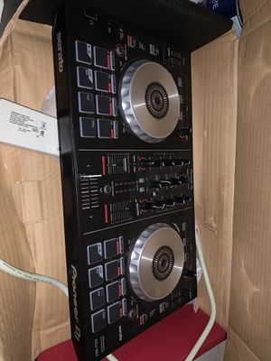 New been used Dj equipment for Sale in Waldorf, MD