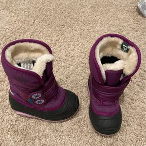 Snow Boots Size 6 Toddler Purple And Black for Sale in Nolensville, TN