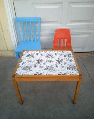 Kids Table and Chairs for Sale in Whittier, CA
