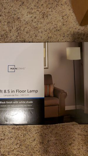 Mainstays 5ft floor lamp for Sale in Los Angeles, CA