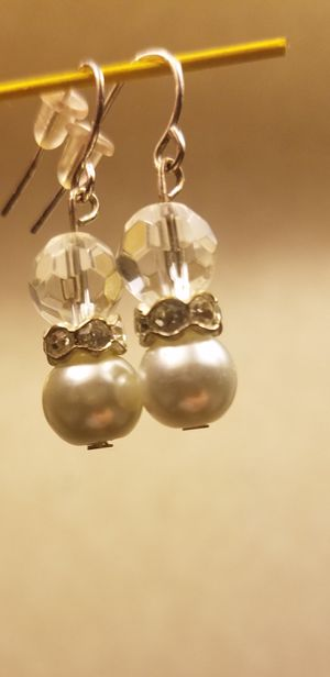 Pearl and Diamond beaded dangle earrings hand-made for Sale in Cleveland, OH