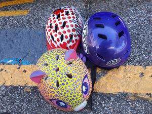 Like New 3 Helmets .All for 10$ for Sale in Houston, TX
