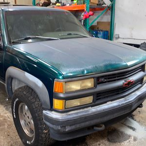 Chevy Tahoe 5.7L (ENGINE For sale) for Sale in Fort Lauderdale, FL