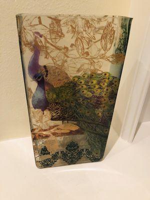 "Peacock design glass vase - 12"" T for Sale in Katy, TX"