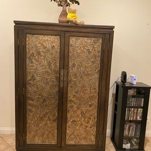 Closet / Cabinets/ Entertainment for Sale in Escondido, CA