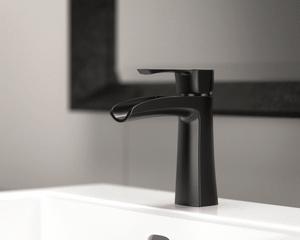 Antique Bronze Single Handle Faucet for Sale in Tamarac, FL