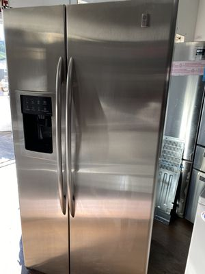 General Electric profile side by side refrigerator stainless counter depth for Sale in Costa Mesa, CA