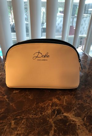 D & G make up purse for Sale in Kent, WA
