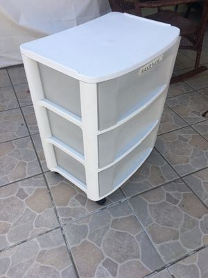 Plastic three drawer organizer for Sale in Los Angeles, CA