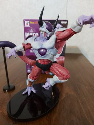 Dragon Ball Z Frieza Second Form BWFC for Sale in Arlington, TX