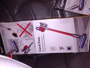 Dyson cord free v8 motorhead for Sale in Suffolk, VA