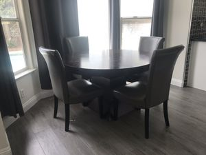 Breakfast dining table with 4 chairs for Sale in Las Vegas, NV