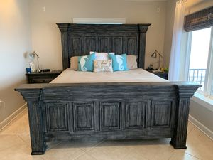King bed frame, mattress and box spring for Sale in Gulf Breeze, FL