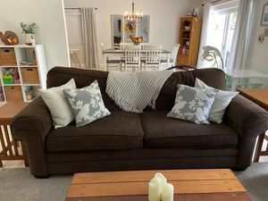 Bassett couch for Sale in Fort Lauderdale, FL