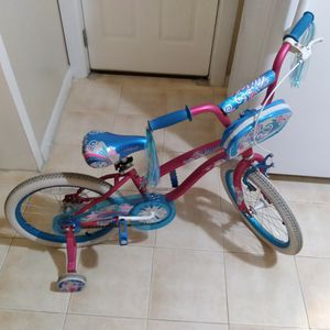 Girls Bike. Bicicleta Para Niña for Sale in Chicago, IL