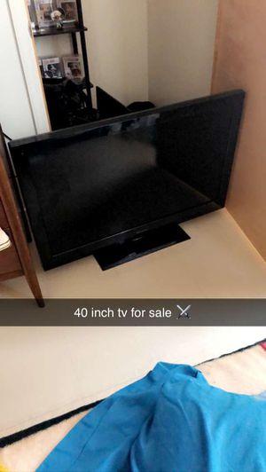 40 inch Emerson tv for Sale in Granite City, IL